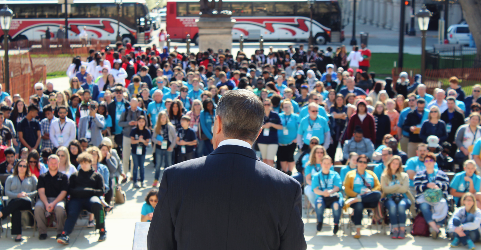 A photo of MAPSA President Dan Quisenberry delivering a speech to hundreds of charter school advocates during the 2018 Charter Day at the Capitol event.