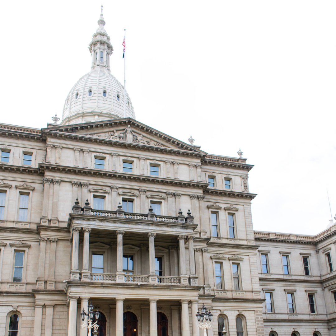 A photo of the MI Capitol Building.